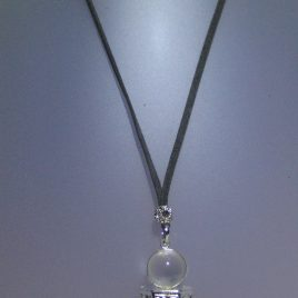 Quartz Necklace, i AMETISTA metal, antelina gris i fornitures platejades