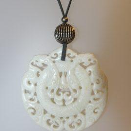Penjoll de jade blanc, 75mm diàmetre, antelina gris, fornitures platejades