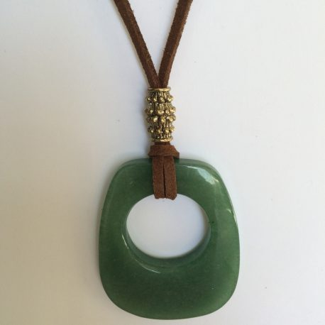 306-315 Penjoll d'aventurina verda, 50x40 mm, antelina marró i fornitures daurades (1)