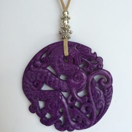 344-315 Purple jade pendant, cut both sides, 65mm diameter, antelina color arena i fornitures platejades