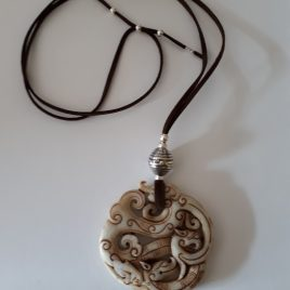 408-518 Colgante - collar de jade i dinero